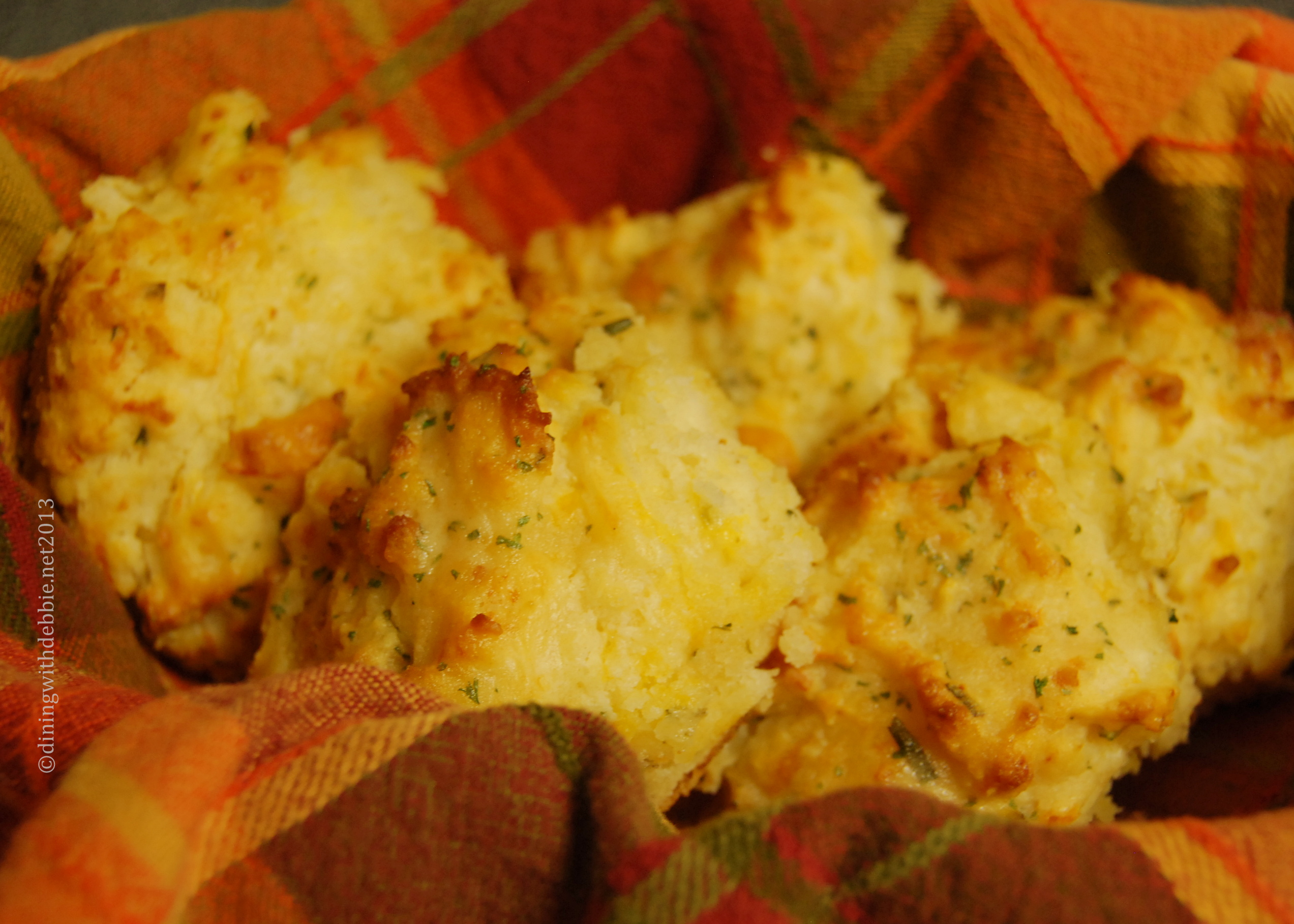 pioneer woman cheddar chive biscuits