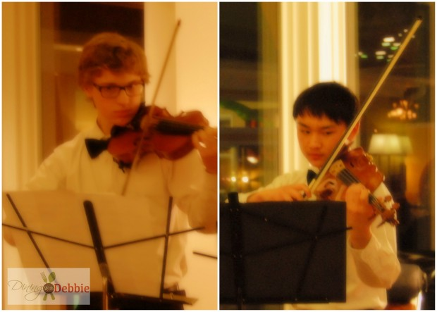 violinists ©