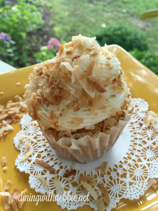 Coconut Cream Cupcakes diningwithdebbie.net